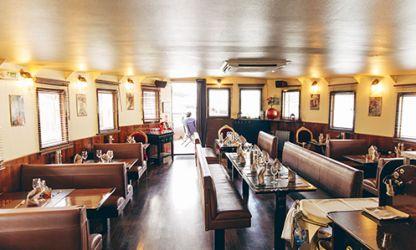 libertalia paris un restaurant bar club branch sur. Black Bedroom Furniture Sets. Home Design Ideas
